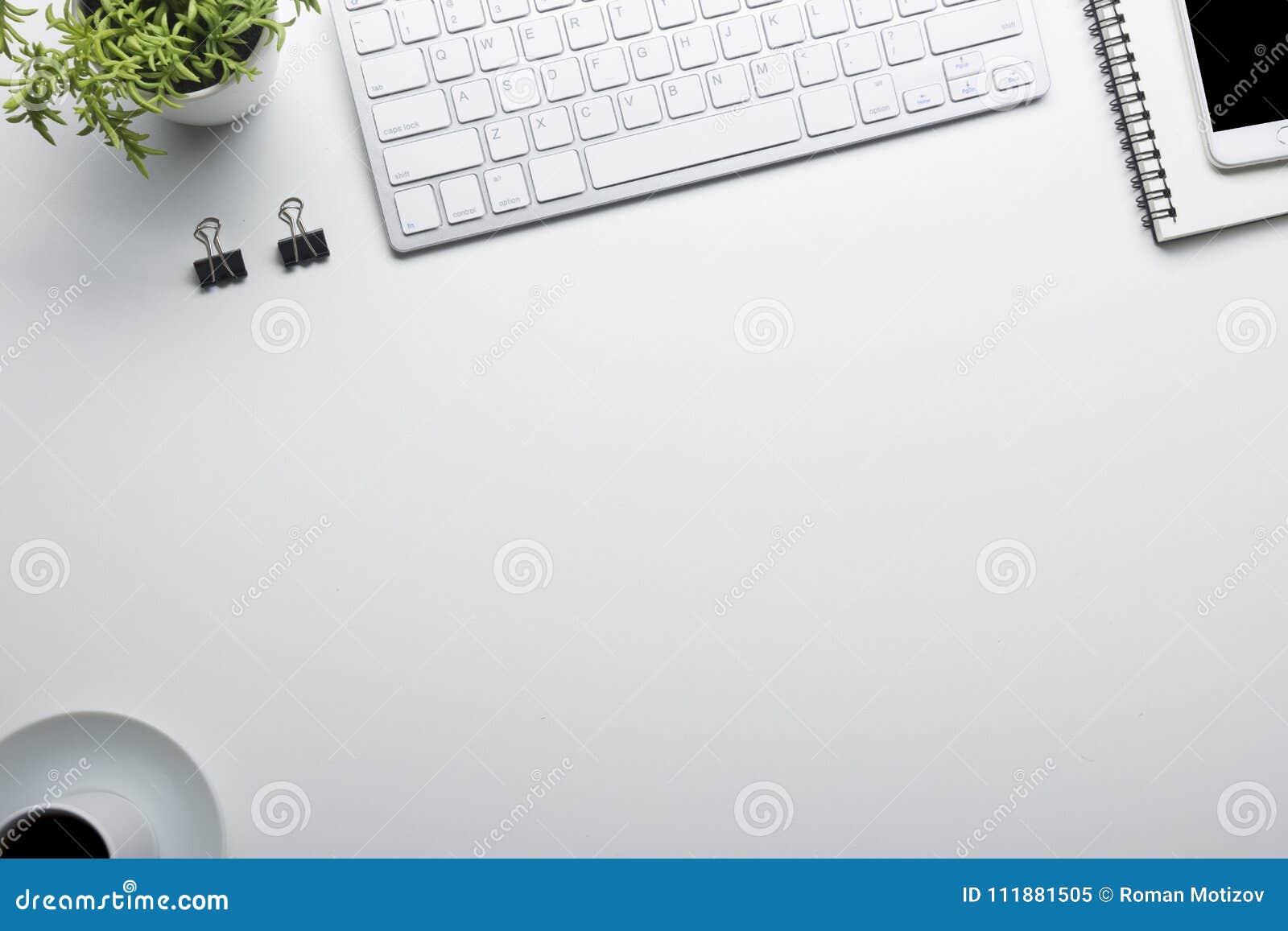 Bureaulijst met levering Vlak leg Bedrijfswerkplaats en voorwerpen Hoogste mening Exemplaarruimte voor tekst