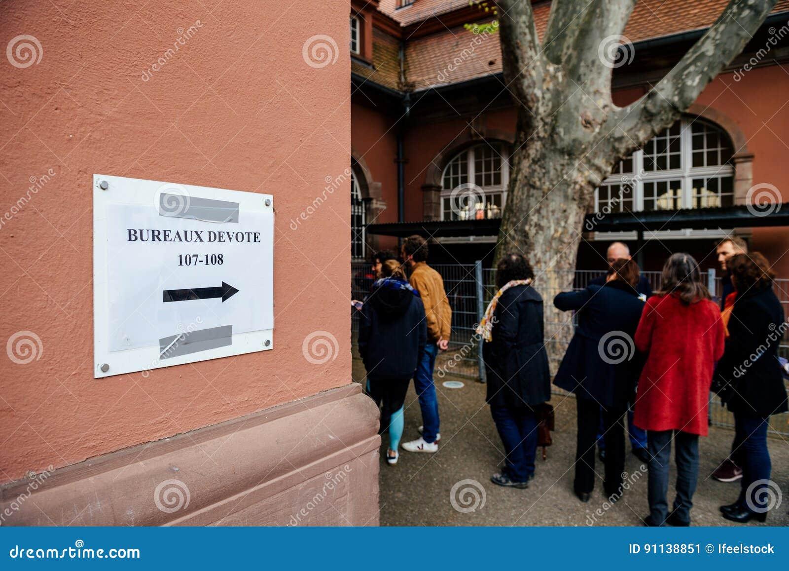 Bureaux de vote voting section france queu editorial photo image