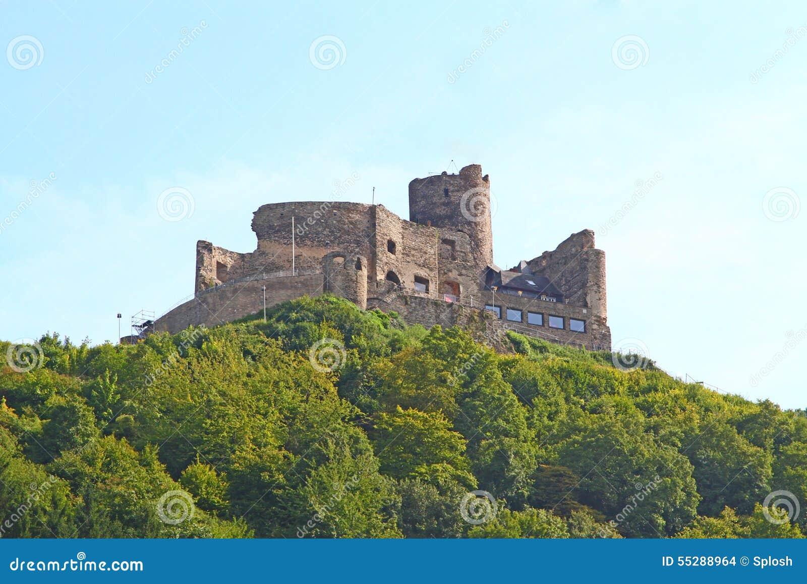 Burg Landshut à la rivière la Moselle en Allemagne