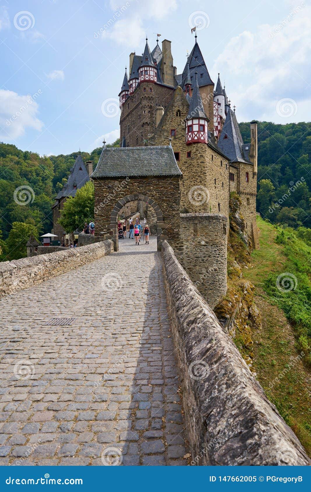 Burg medieval Eltz do castelo do conto de fadas na região de Moselle de Alemanha