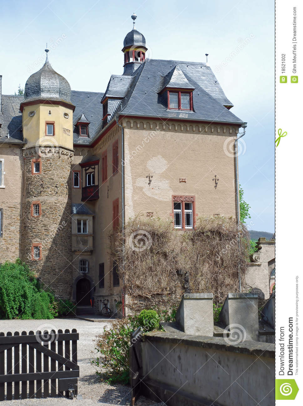 Burg Namedy un château moated, Andernach, Allemagne