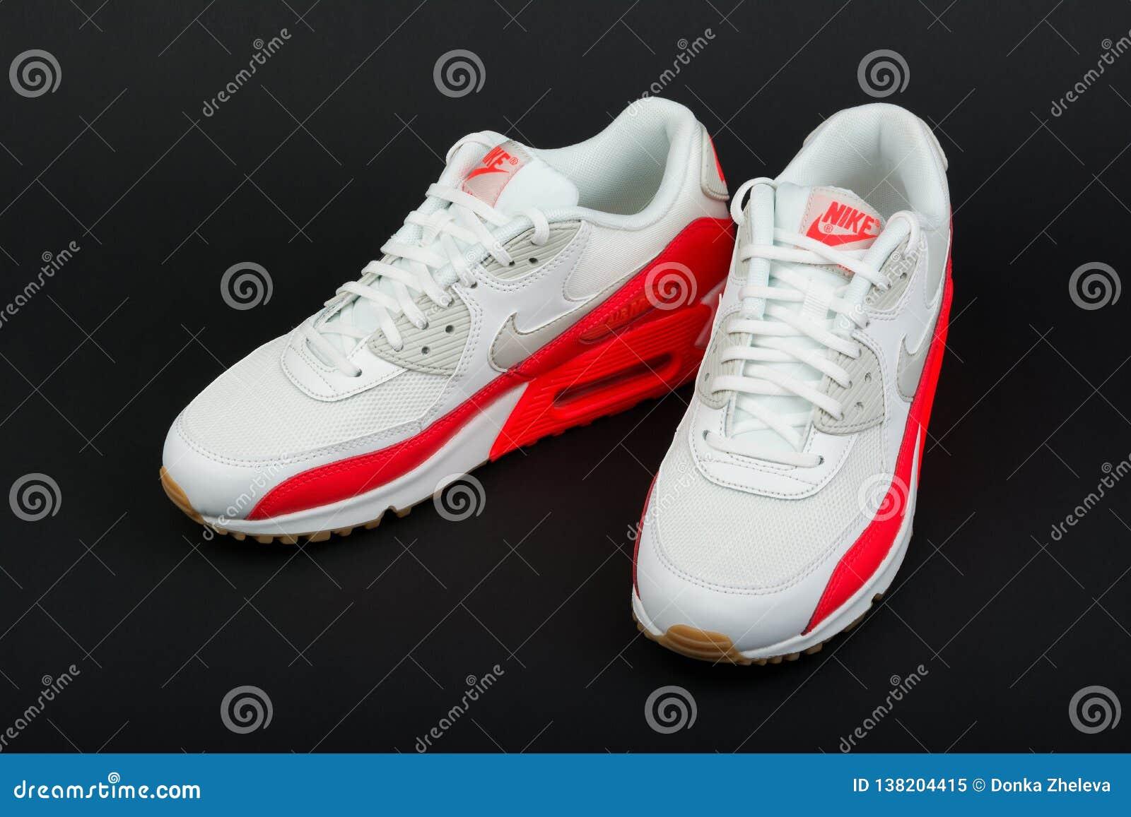 Hectáreas Montaña delicado  BURGAS, BULGARIA - AUGUST 29, 2016: Nike Air MAX Women`s Shoes ...