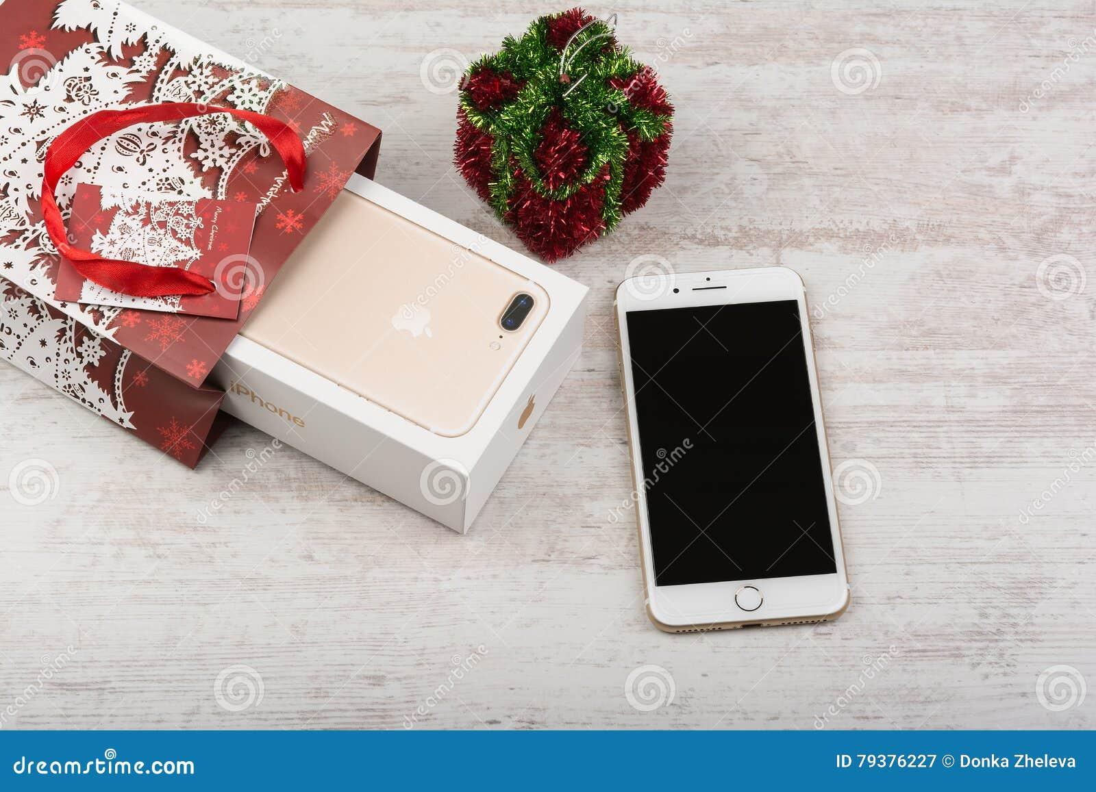 BURGAS, BULGARIA - OCTOBER 22, 2016: New Apple IPhone 7 Plus Gold On ...
