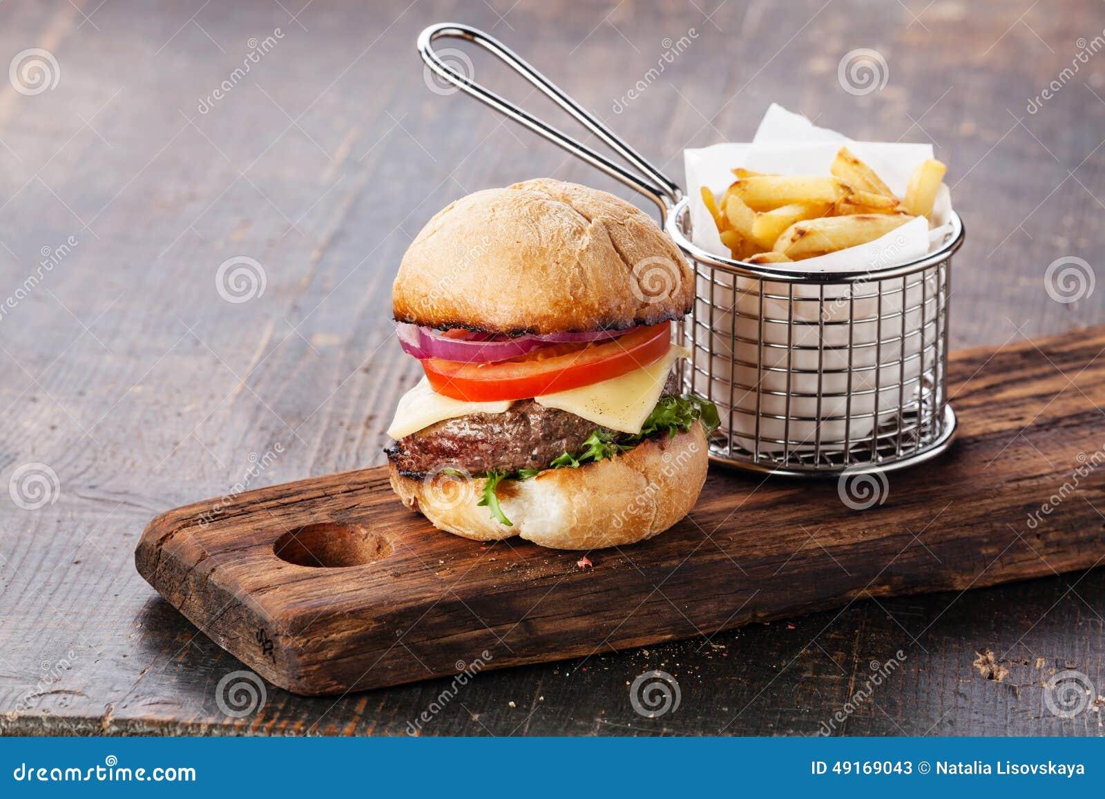burger mit fleisch und pommes frites stockbild bild von ausschnitt franz sisch 49169043. Black Bedroom Furniture Sets. Home Design Ideas