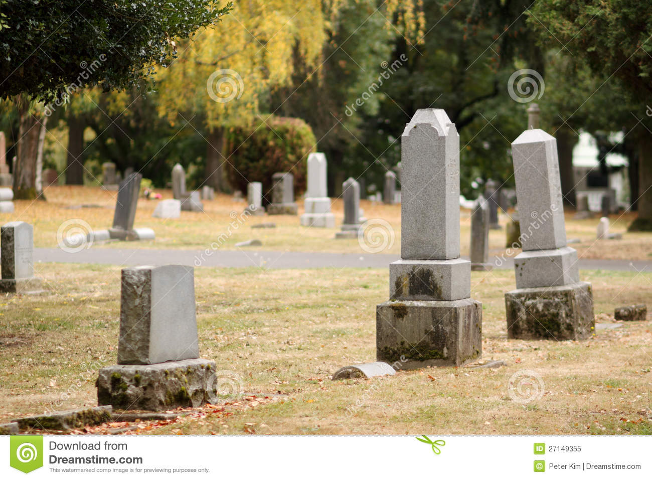 Royalty Free Stock Photo: Burial site: dreamstime.com/royalty-free-stock-photo-burial-site-image27149355