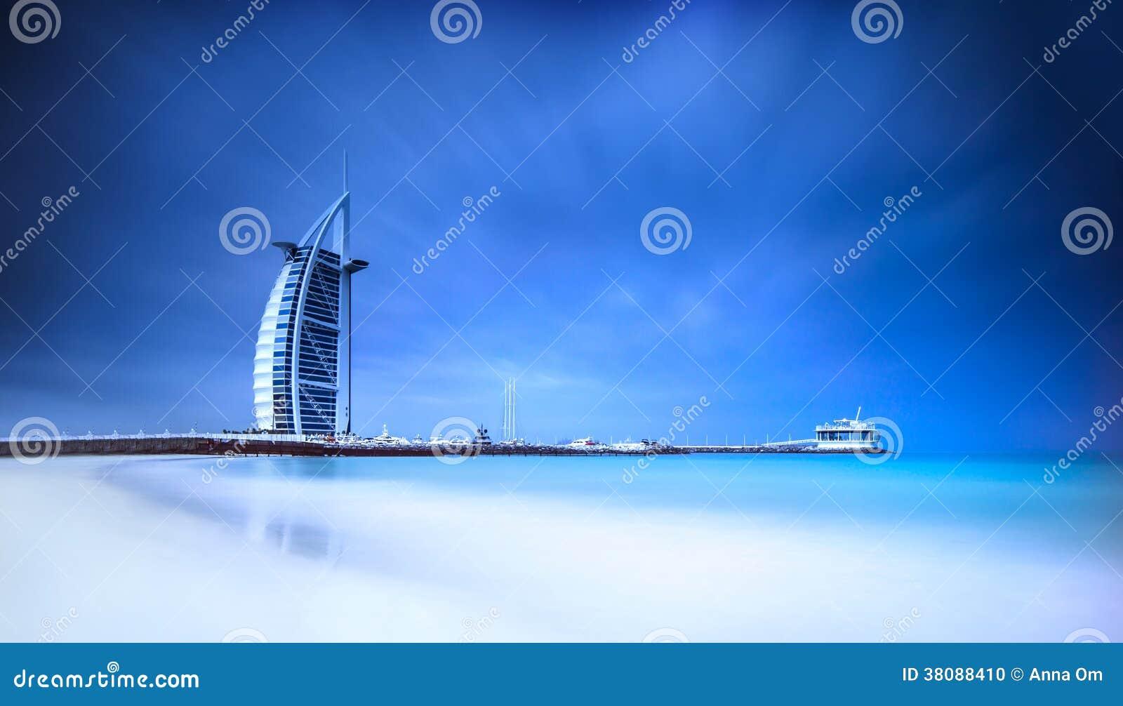 Burj Al Arab hotell på den Jumeirah stranden i Dubai