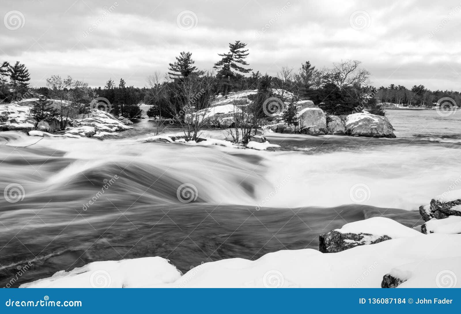 Burleigh Spada zima - B&W