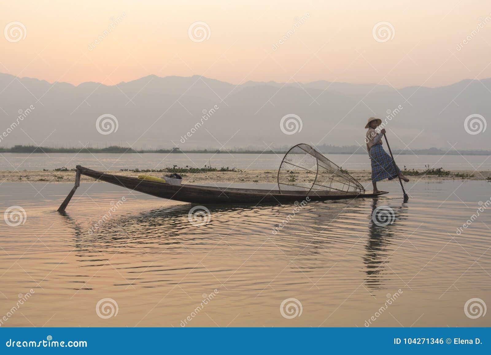Burmese fiskare i Inle sjön, Burma