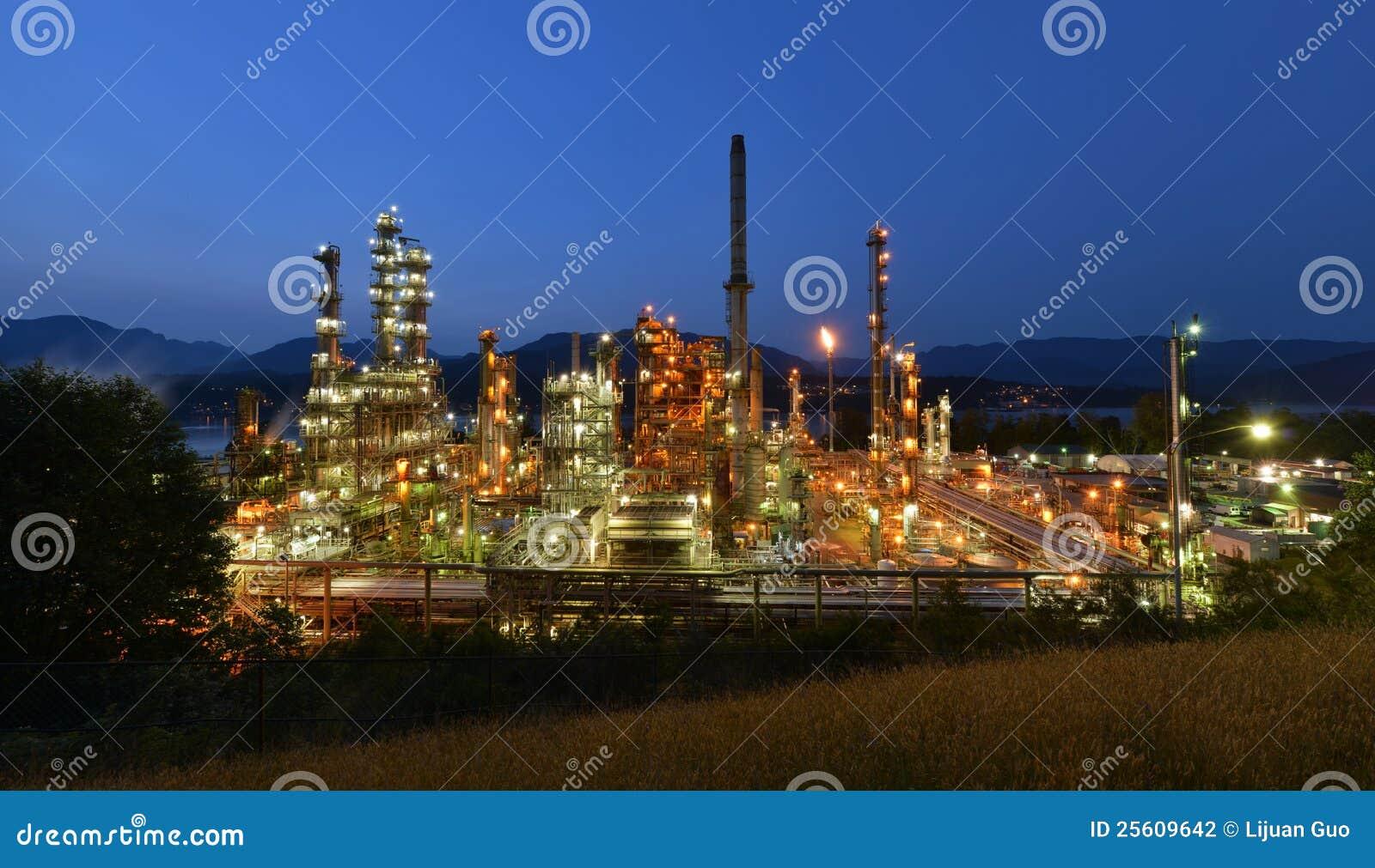 Burnaby διυλιστήριο πετρελαίου νύχτας