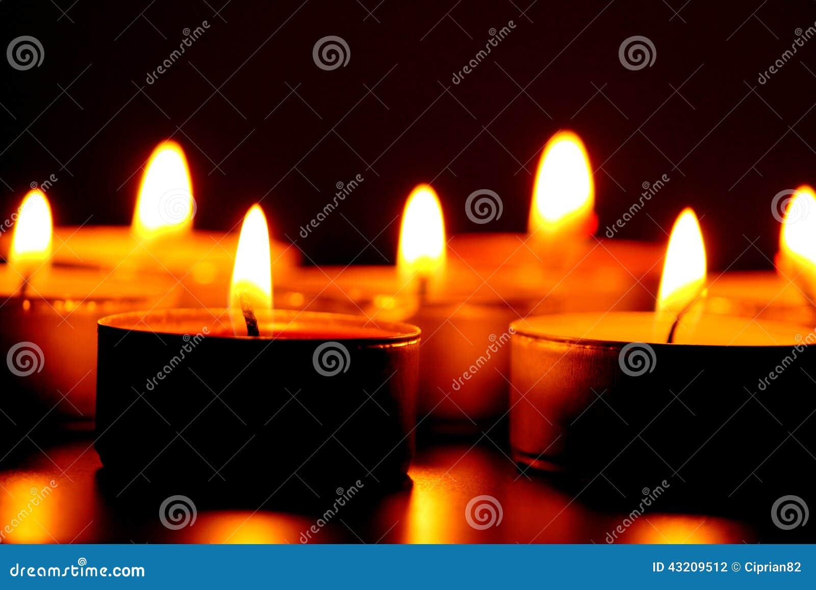 Download Burning candels arkivfoto. Bild av livstid, renhet, blurriness - 43209512