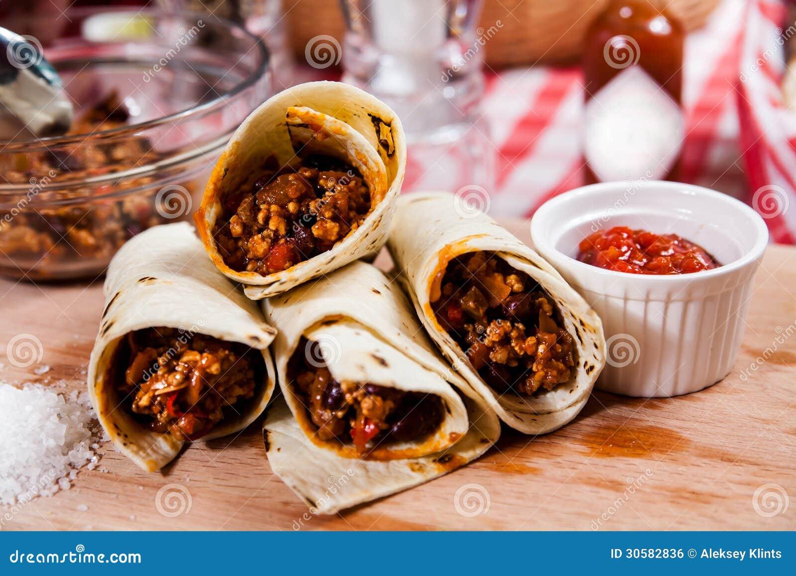 Burrito en el tablero de madera