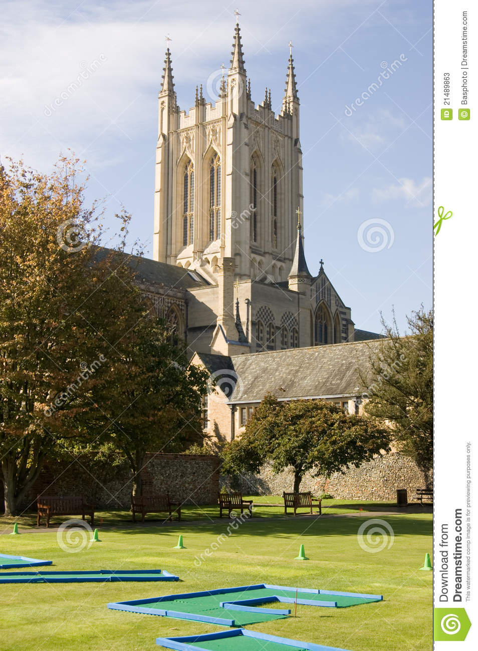 Bury St Edmunds Crazy Golf And Cathedral Stock Photos ...