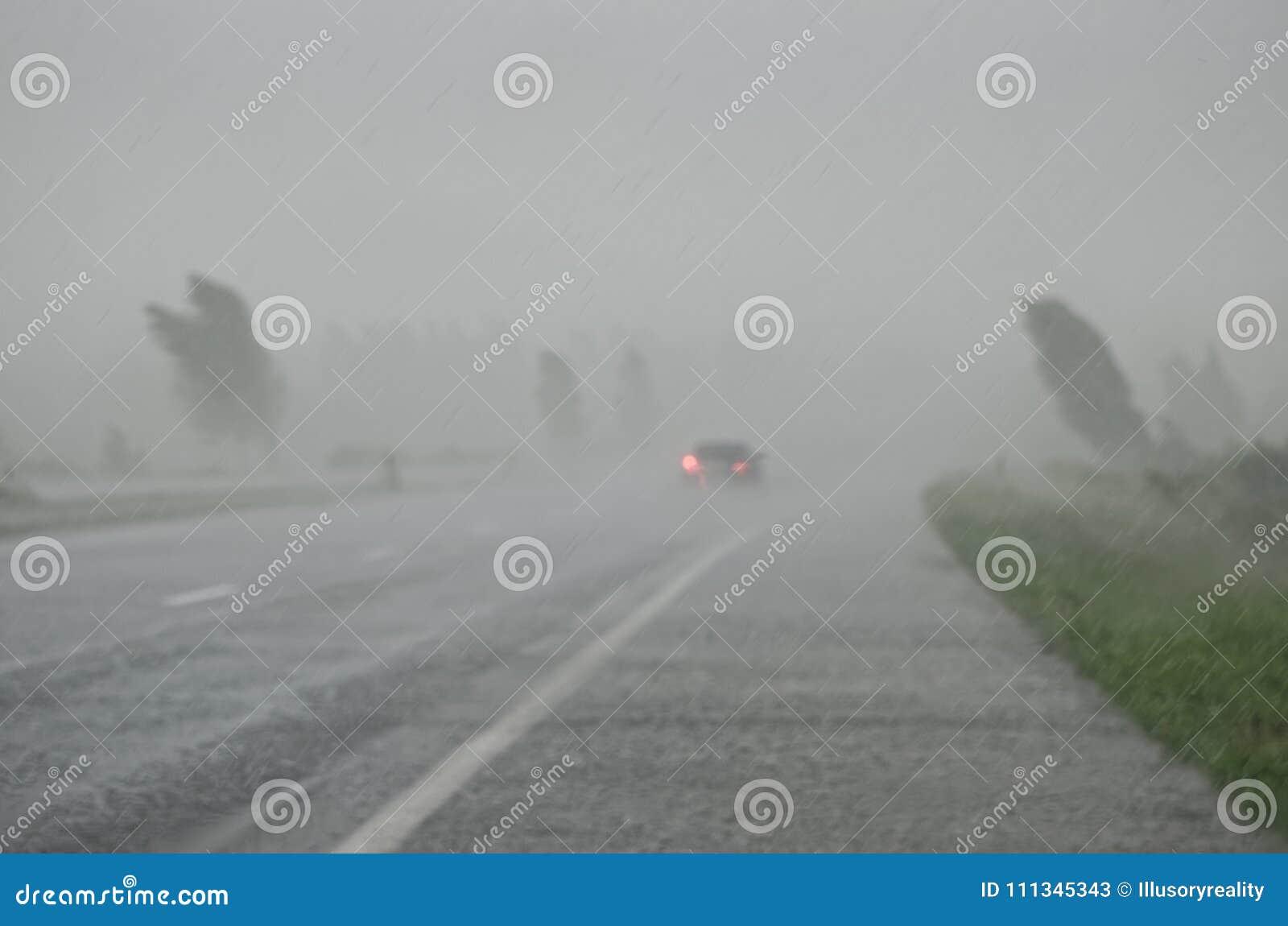 Burza na autostradzie