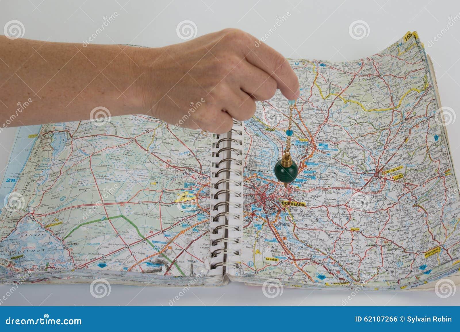 Buscas em uma carta com pêndulo