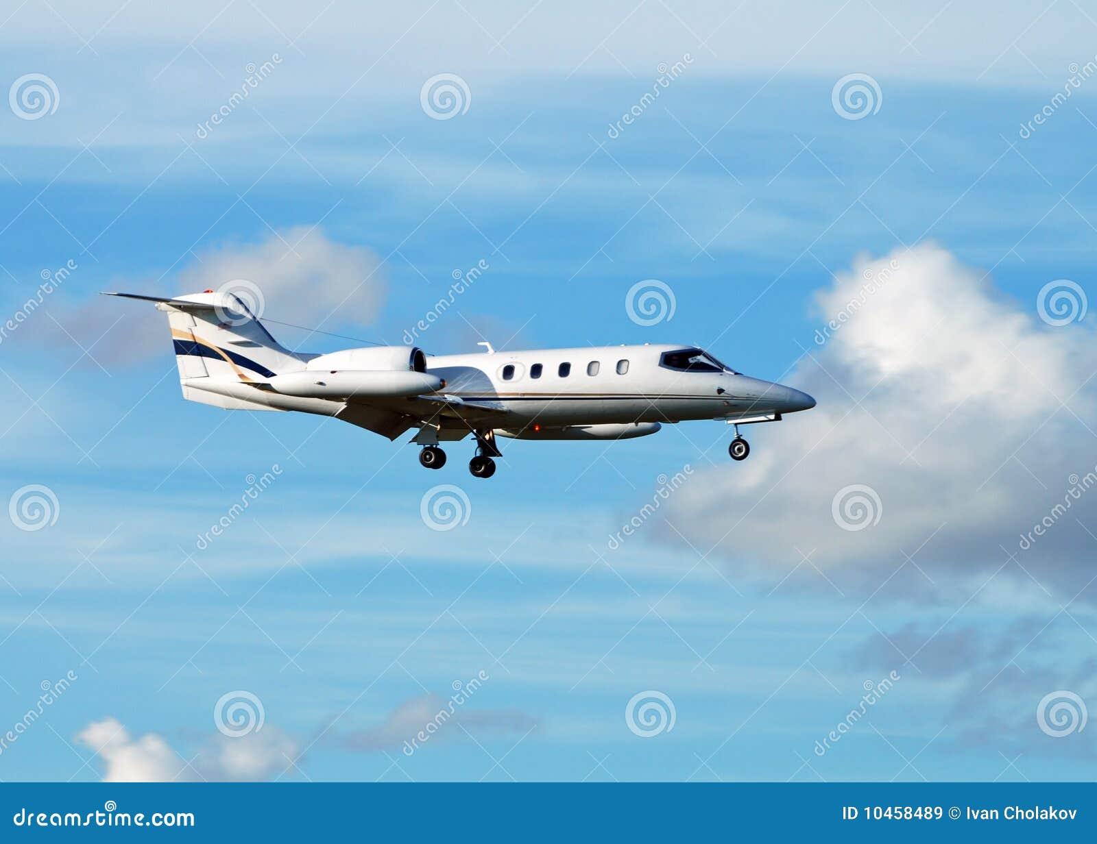 Business jet airplane