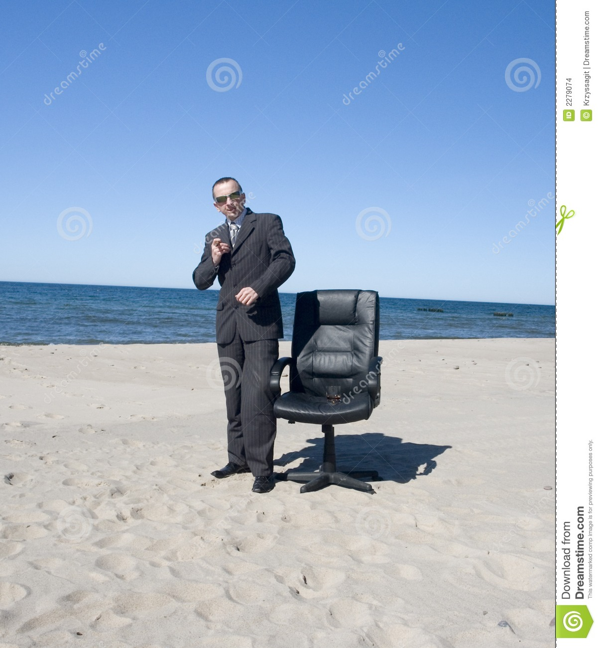 business-man-beach-2279074.jpg