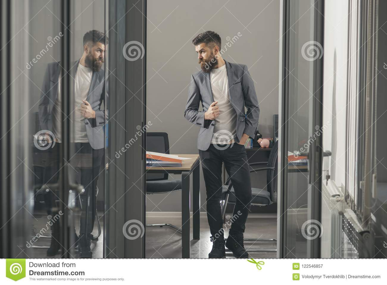 Modern office look Glass Business Man Look Out Office Door Business Man In Modern Office With Glass Walls Ikimasuyo Business Man Look Out Office Door Business Man In Modern Office