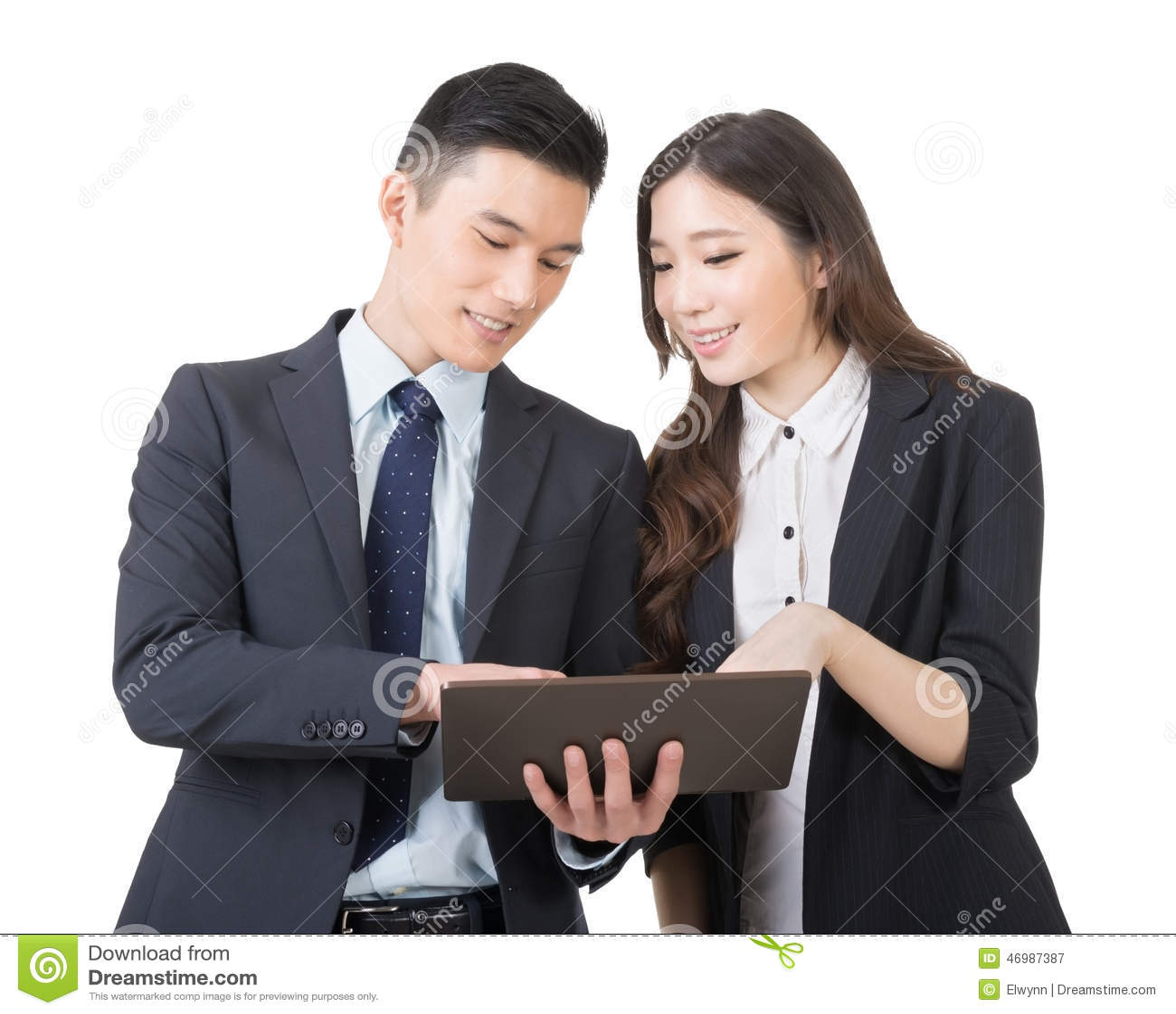 business-man-woman-discuss-men-women-hold-tablet-closeup-portrait-copyspace-46987387.jpg