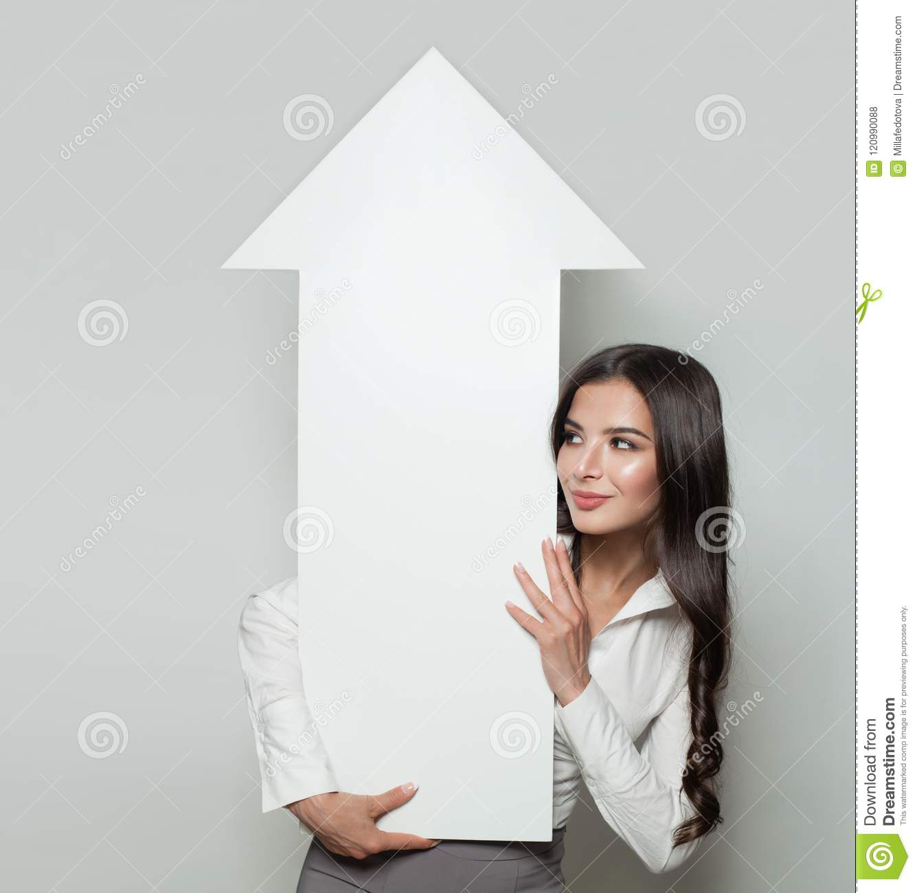Business Manager with business growing up profit diagram
