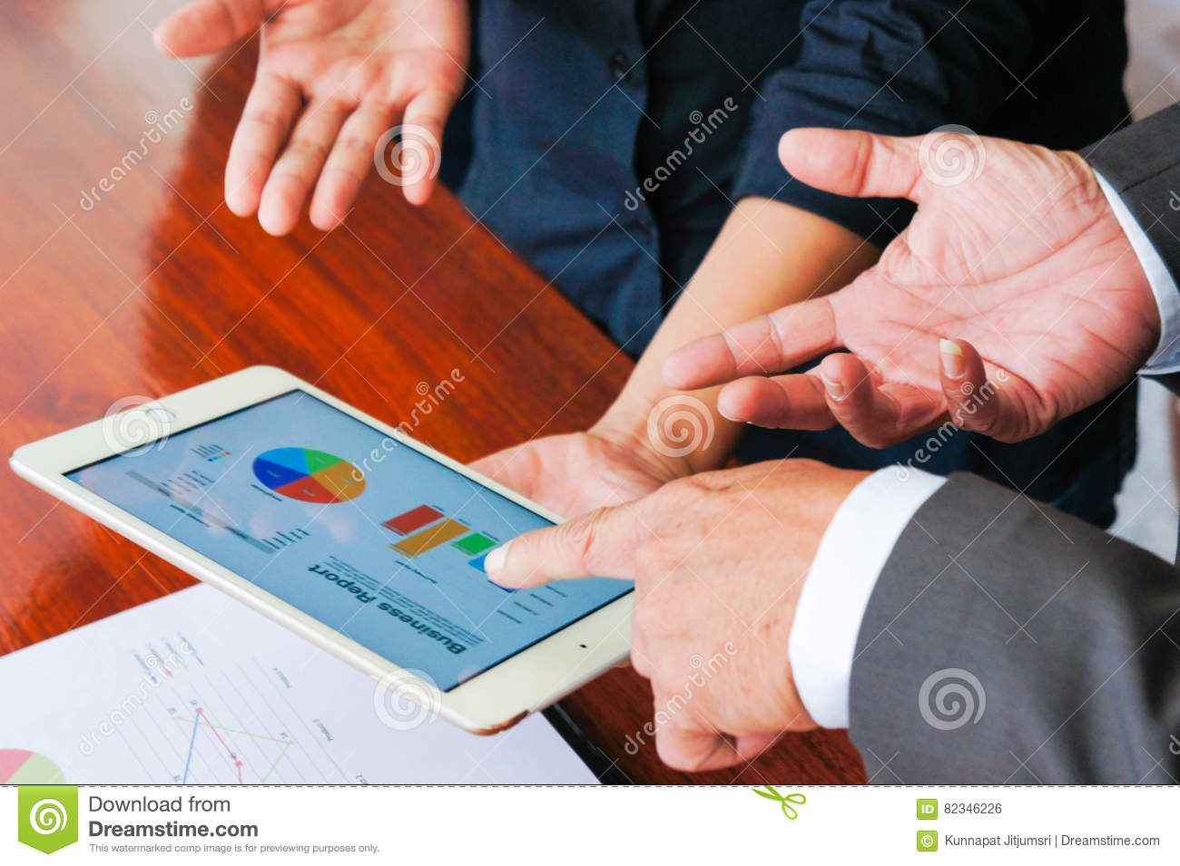 Business meetings, documents, sales analysis, Analysis Results