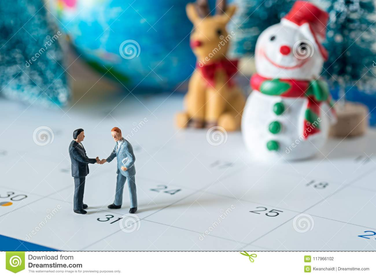 Business Miniature Figures People Handshaking Agreement On 31 Da