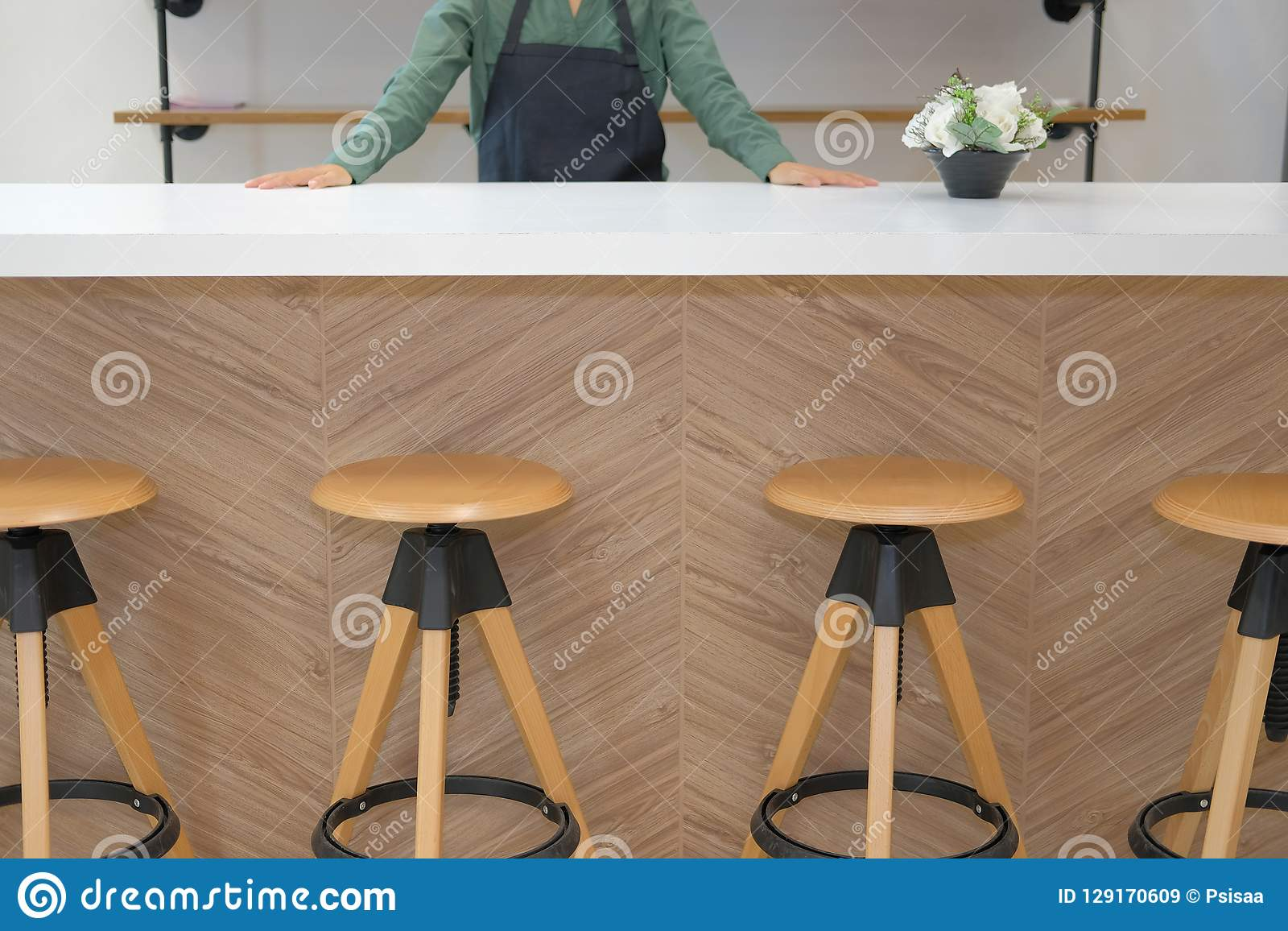 Business Owner Wearing Apron Standing At Cafe Coffee Shop Restaurant Counter Bar Stock Image Image Of Cafeteria Owner 129170609