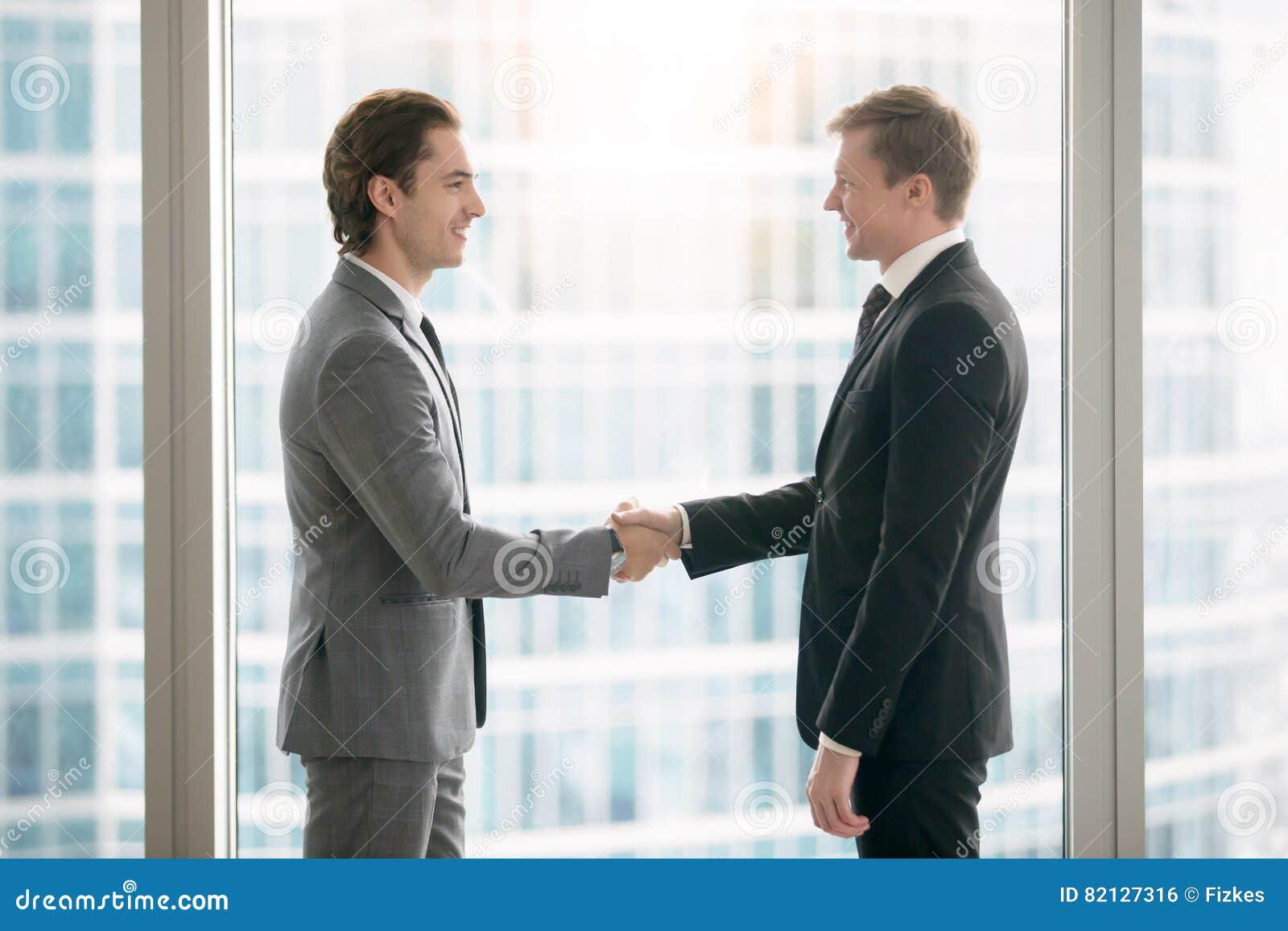 Business people handshake greeting deal at work photo free download - Business People Handshake Greeting Deal At Work Photo Free Download 6