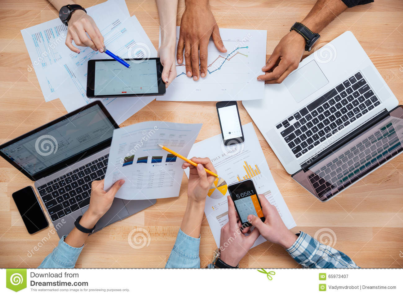 Business Group Using Mobile Phones Stock Photography - Image: 31840912