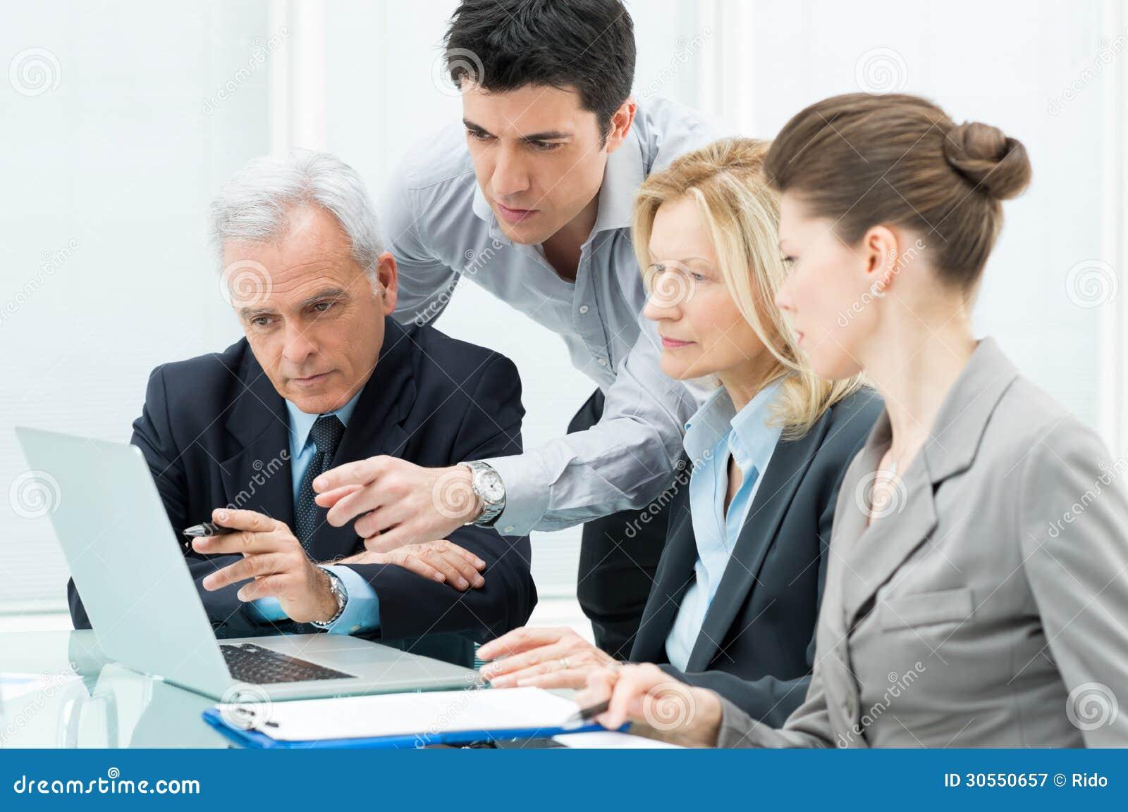 Что выбрать работа руководителем или свой бизнес