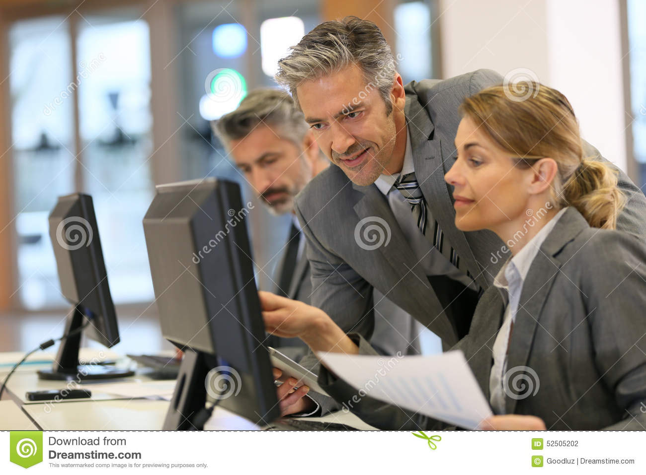 Business People Working At Office On Desktop Computer ...