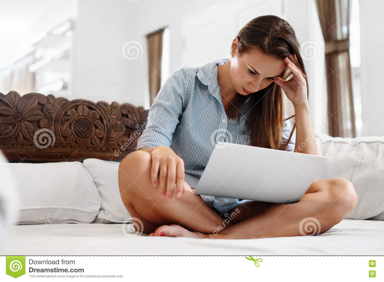 anxiety in working and non working women Working women with fm presented better health than nonworking women with   hospital anxiety and depression scale (hads) contains 14.