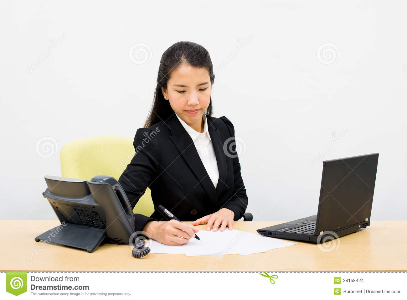 essay about women in business This paper discusses that women are still struggling in the business world.