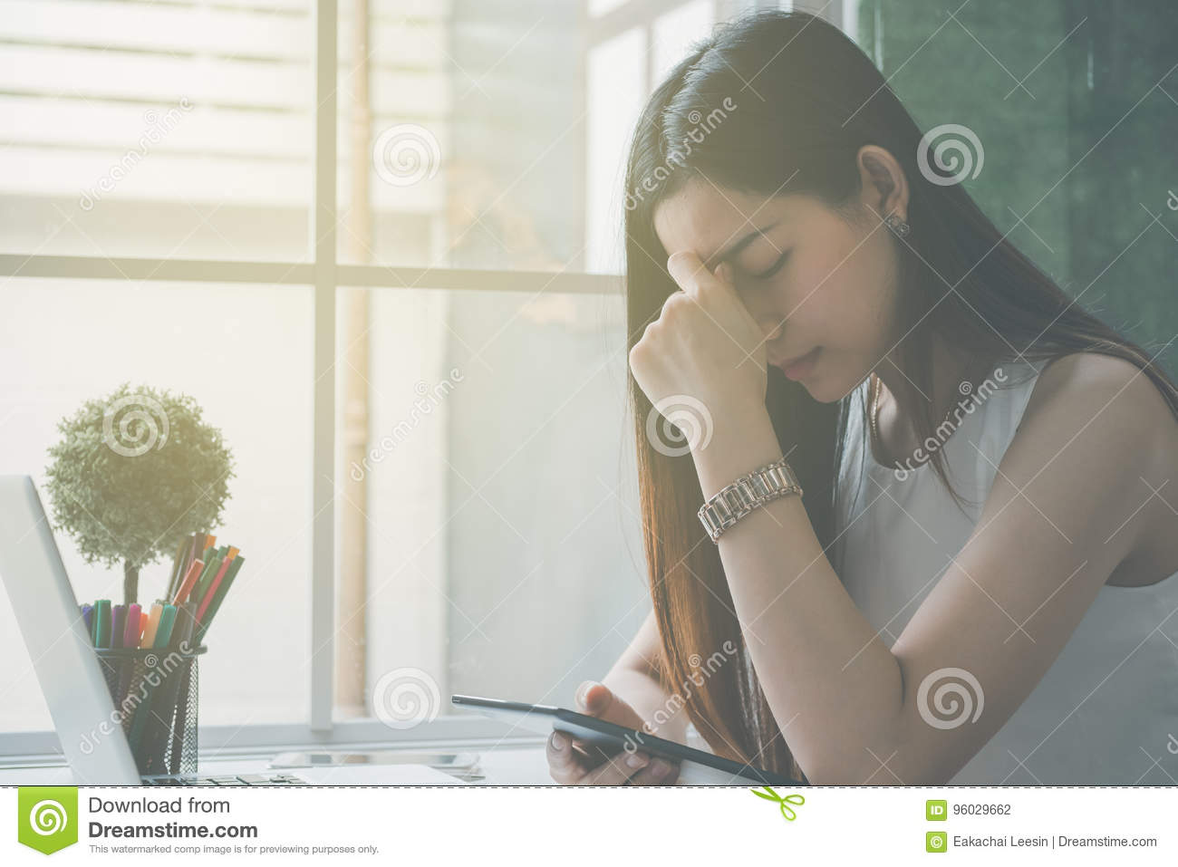 Business women stressed and under pressure