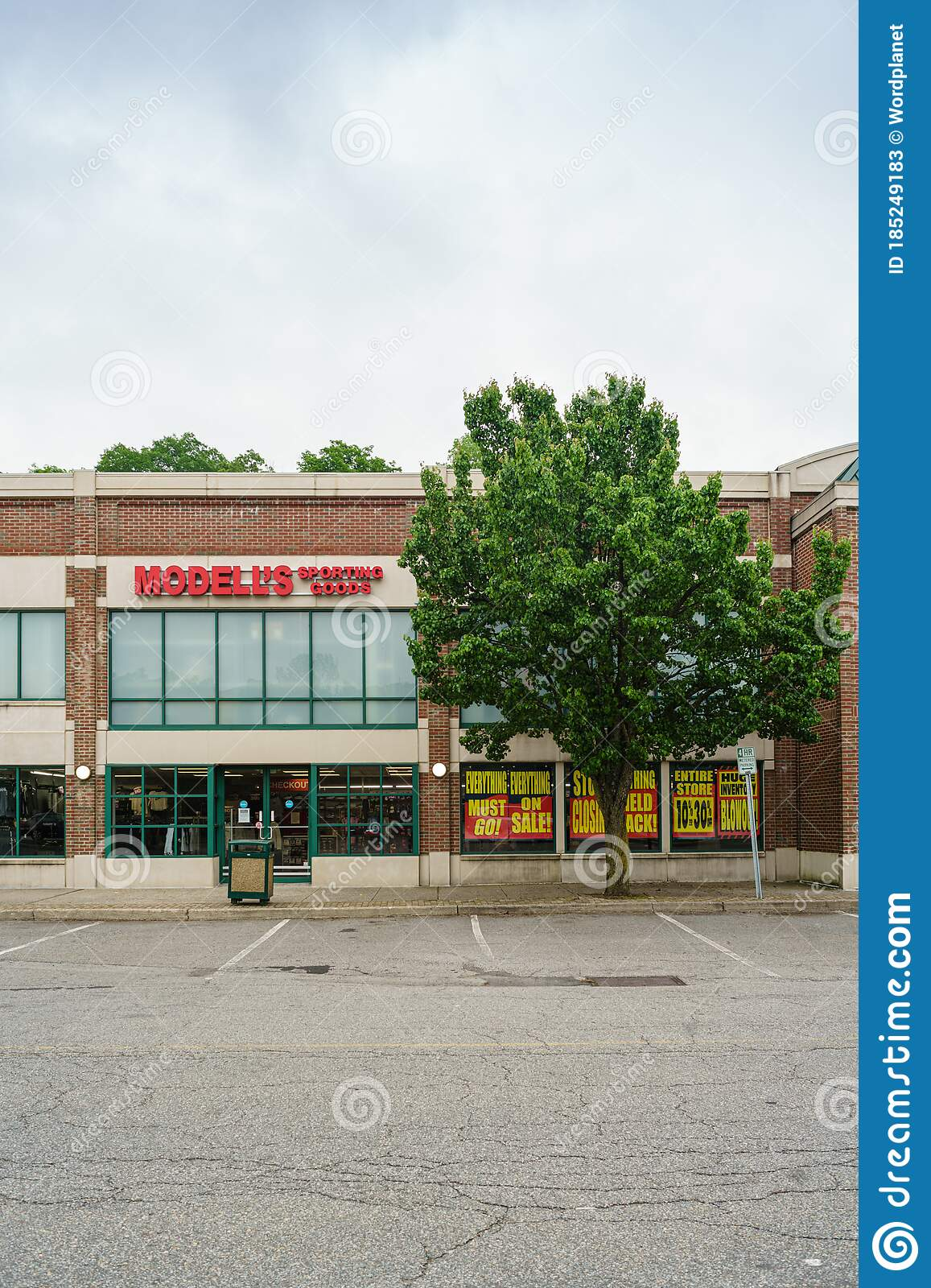 modells sporting goods store going out of business sale editorial stock photo image of north parking 185249183 modells sporting goods store going out of business sale editorial stock photo image of north parking 185249183