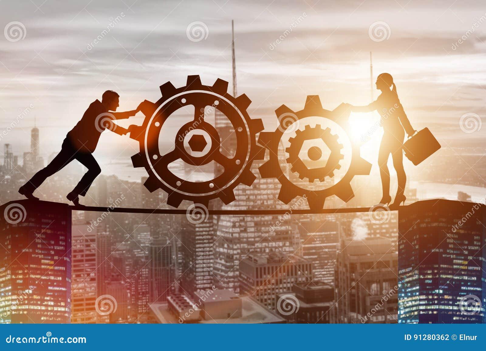 Businesspeoplena i teamworkexempel med kugghjul
