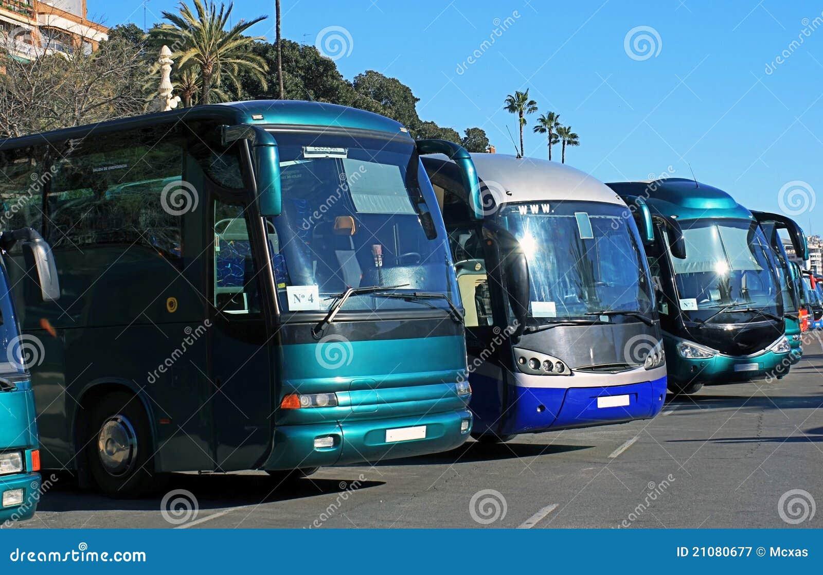 Bussen in een parkeren