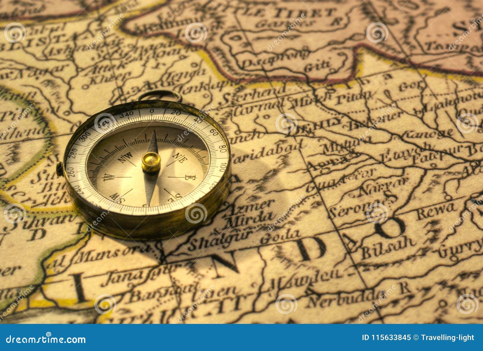 Cartina Dell India Del Nord.Bussola E Mappa Antiche Dell India Immagine Stock Immagine Di Senso Tibet 115633845