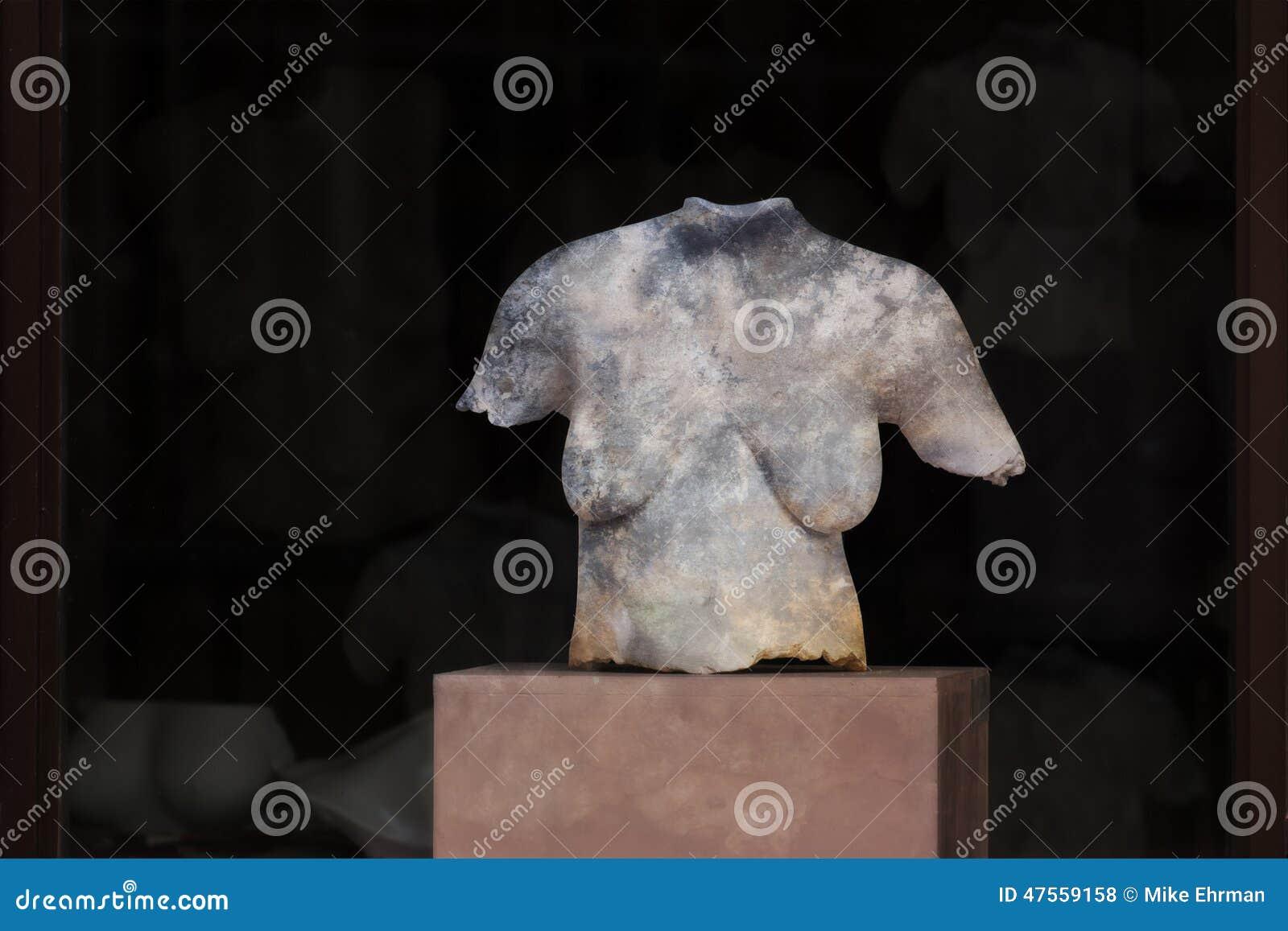 Busto de mármore