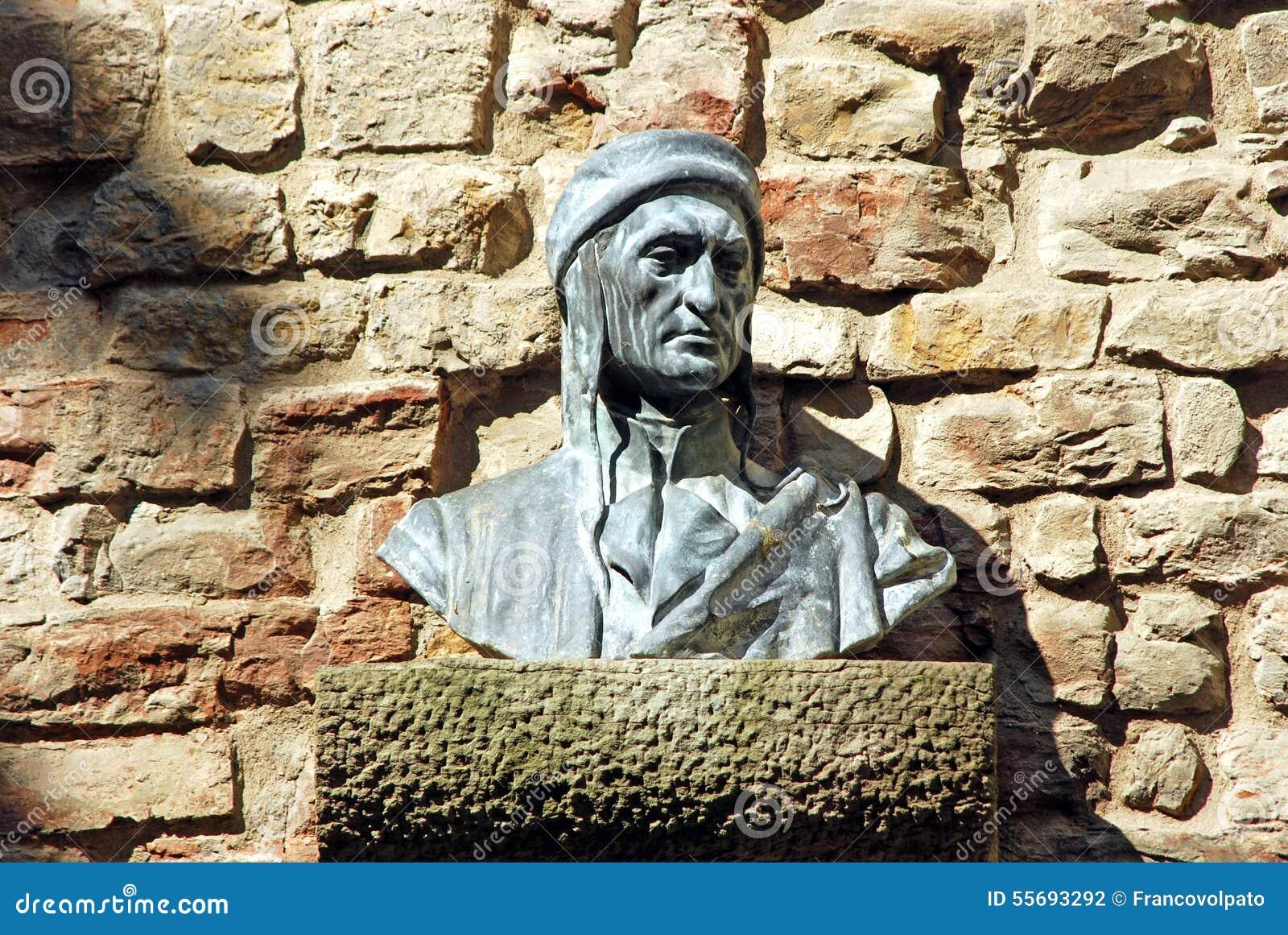 Busto di Dante in un vicolo Firenze - in Toscana - in Italia