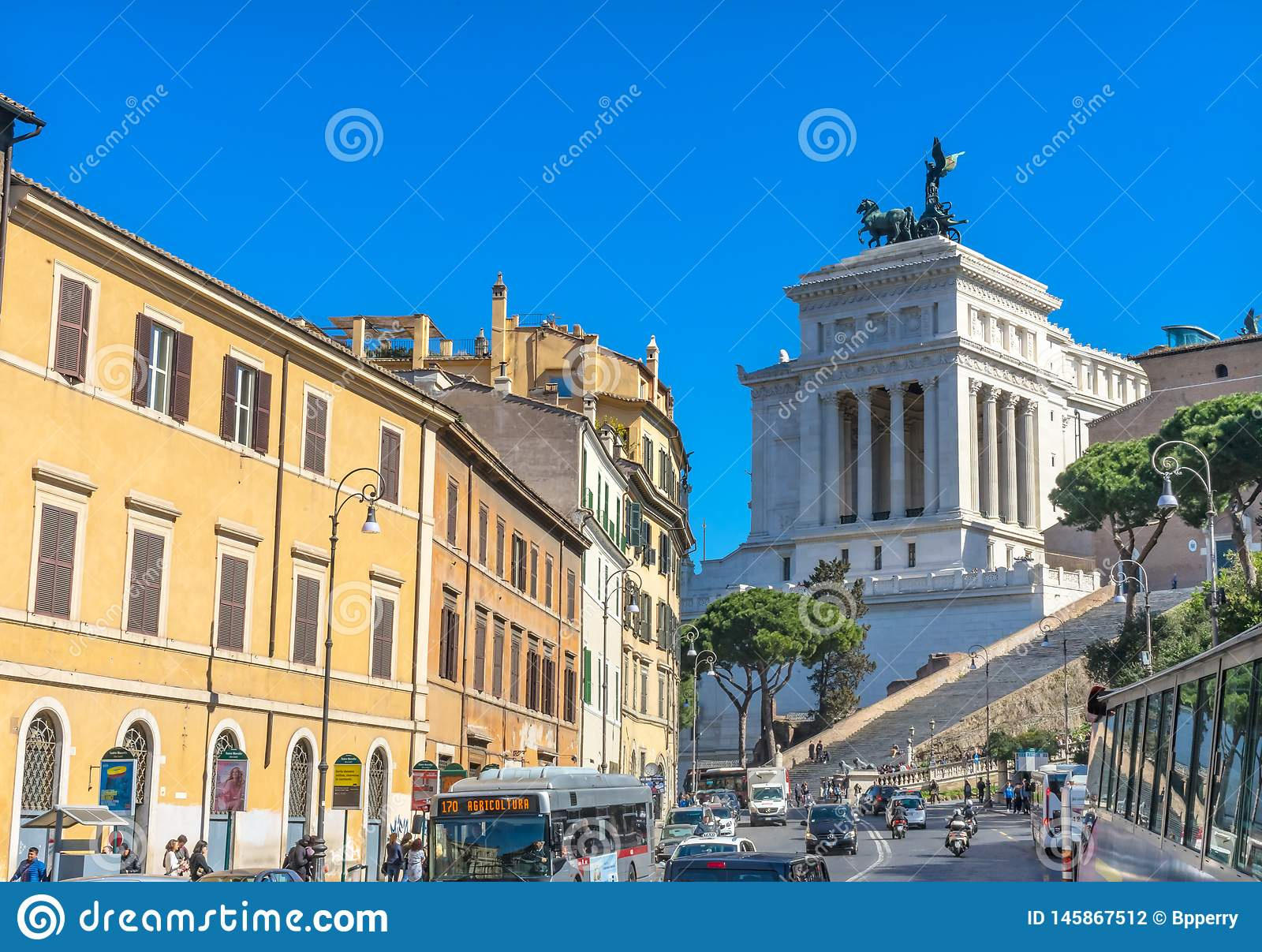 Busy Roman Street Capitoline Hill Victor Emanuele Monument ...