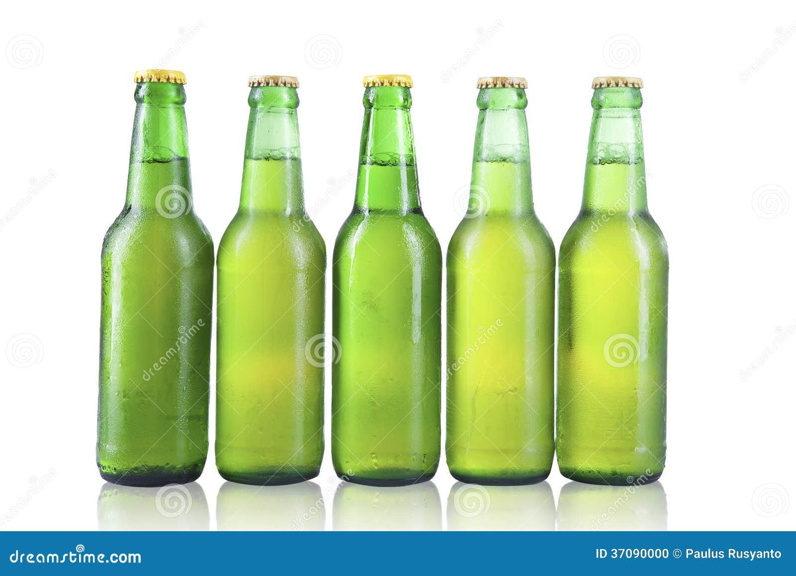 Download Butelki Piwo Z Kroplami Odizolowywać Zdjęcie Stock - Obraz złożonej z napój, bąbel: 37090000