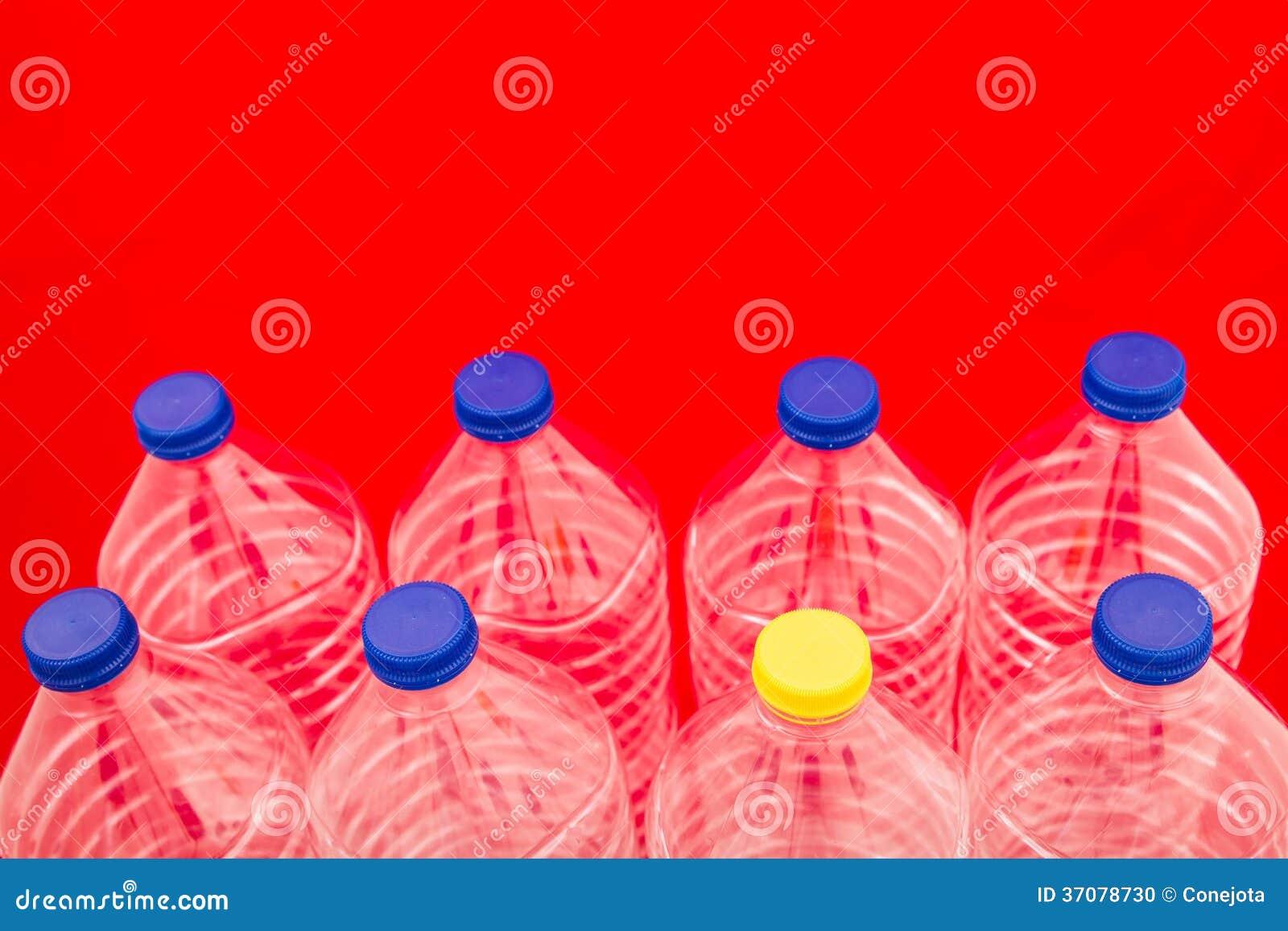 Download Butelki woda zdjęcie stock. Obraz złożonej z lifestyle - 37078730