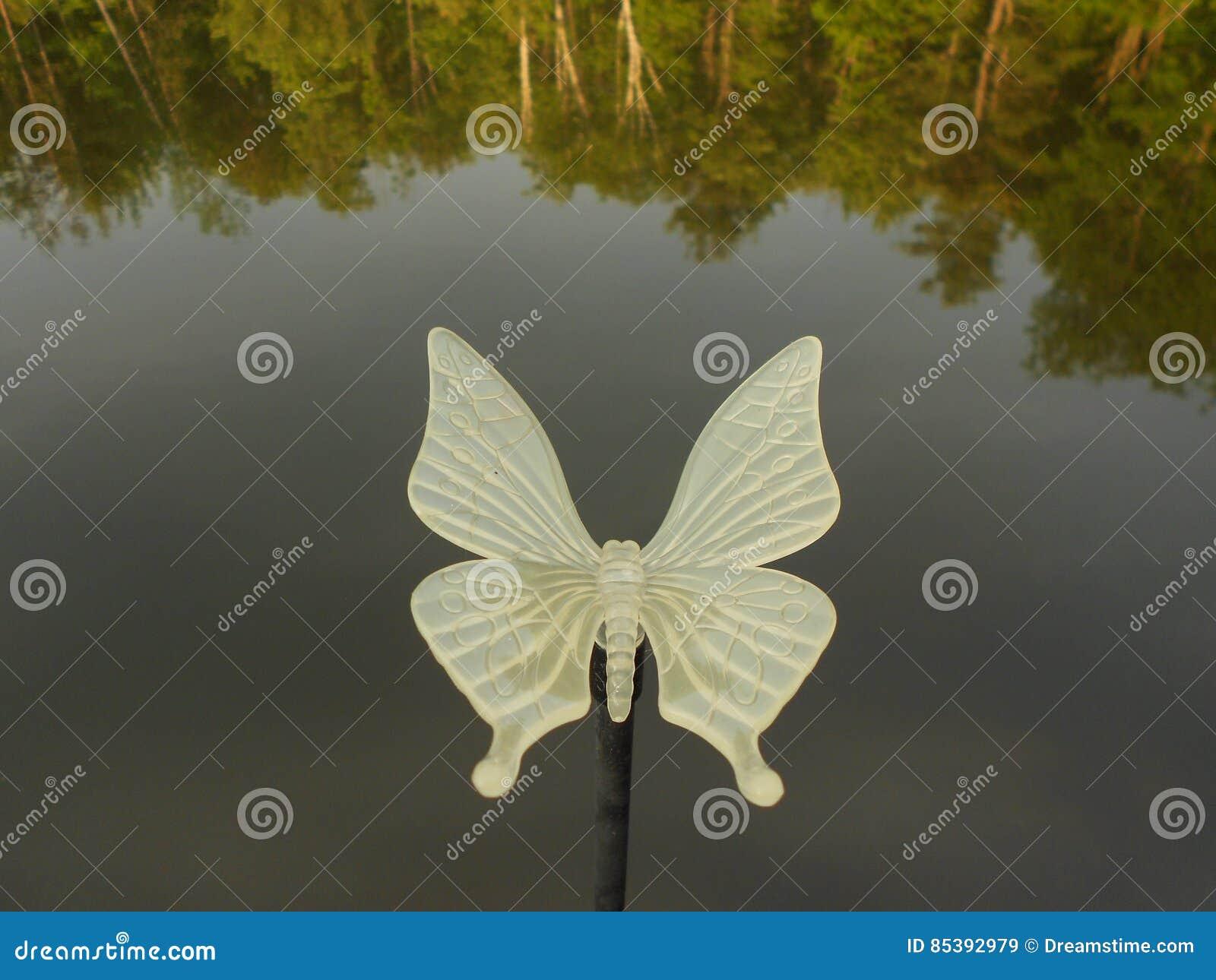 Butterfly lawn ornaments - Butterfly Lawn Ornament