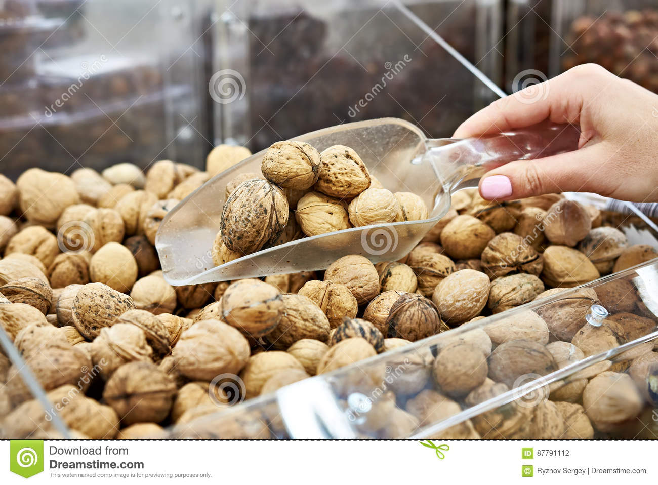 How to store walnuts