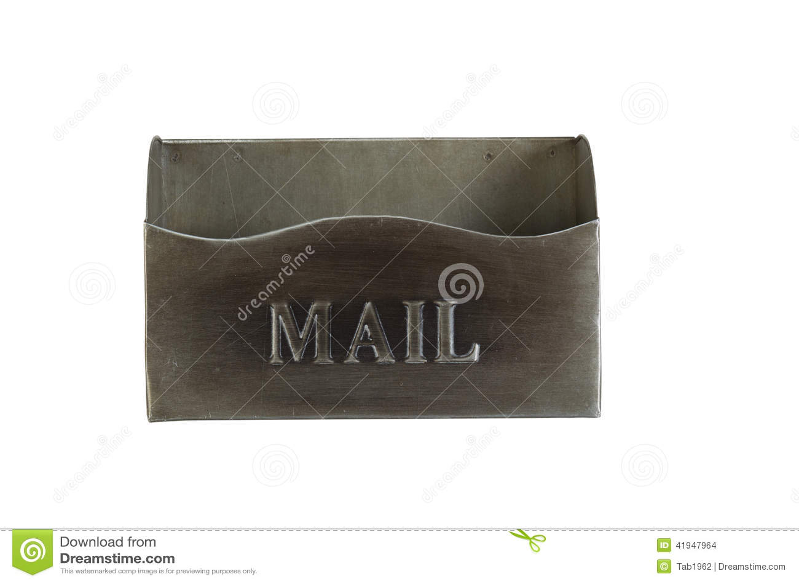 Buzón viejo vacío del metal aislado en blanco
