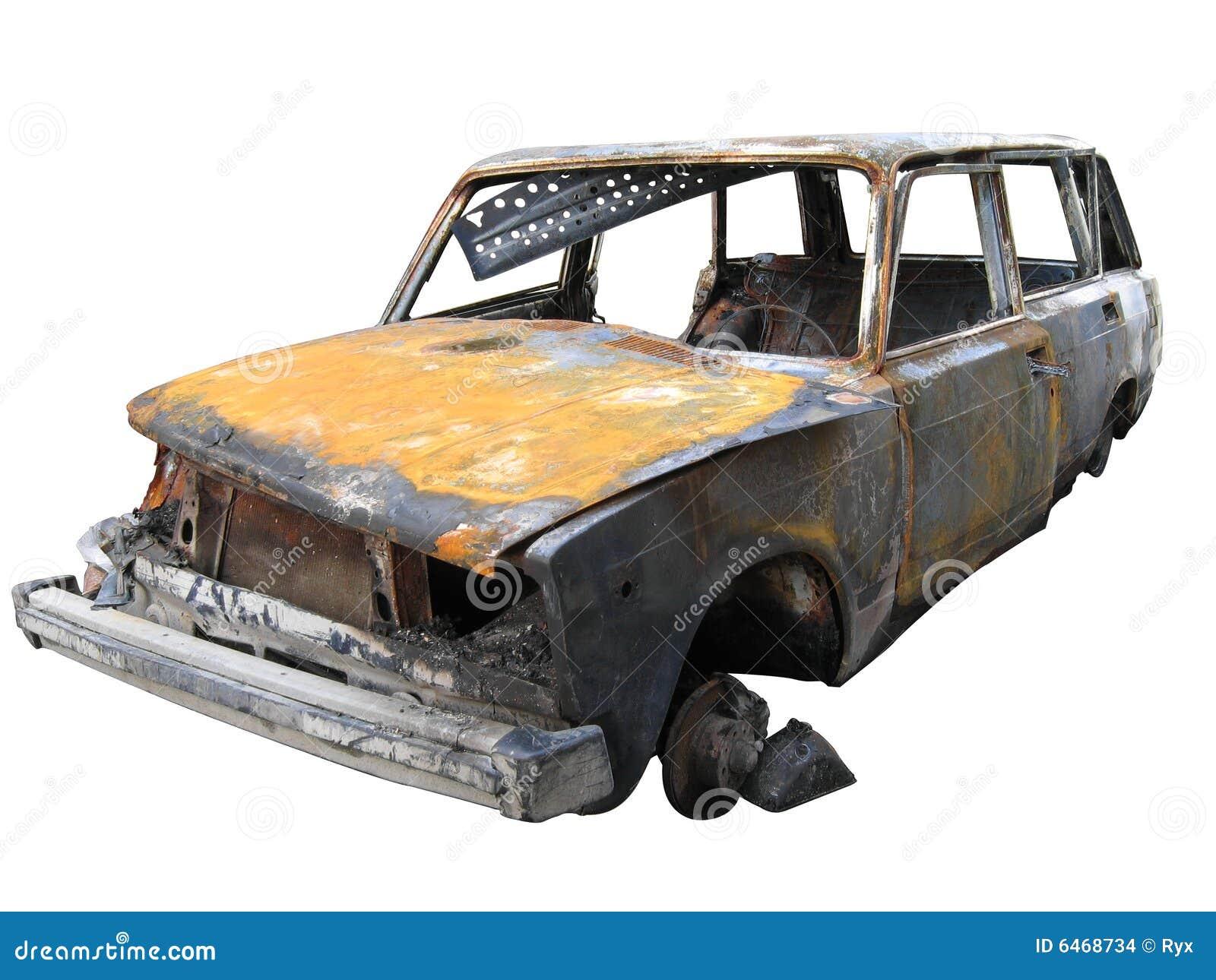 Być odizolowani zniszczony samochód