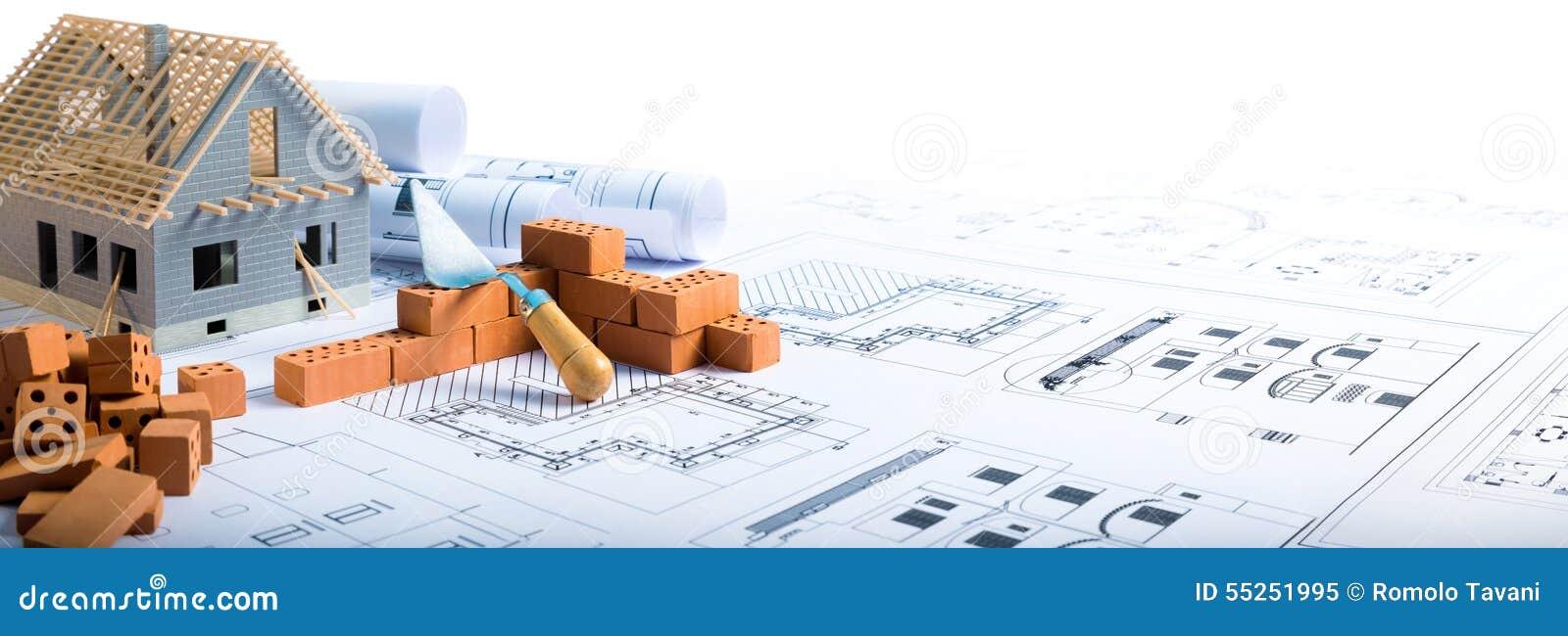 Byggande hus - tegelstenar och projekt