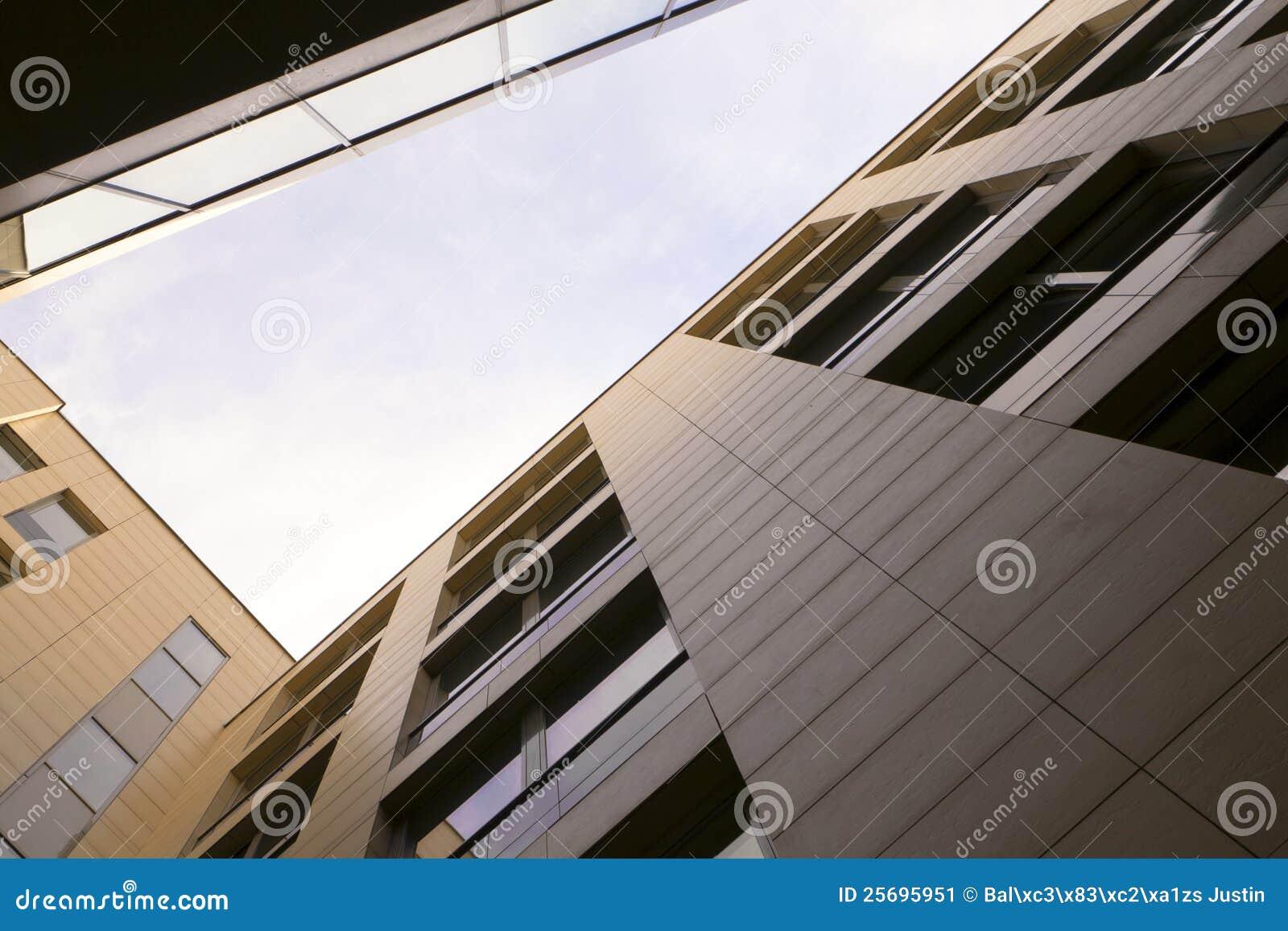 Byggande stigning för högt kontor