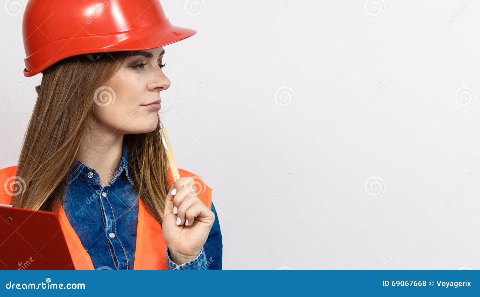 Byggmästare för kvinnateknikerkonstruktion i hjälm
