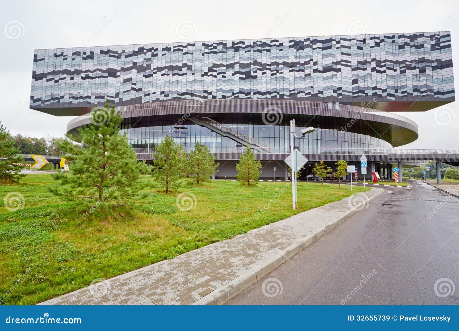 Byggnad av Moskvaskolan av ledning SKOLKOVO